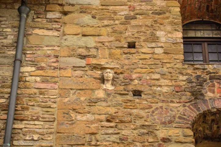 Chiesa-di-Santa-Maria-Maggiore-a-Firenze-La-Berta-da-vicino-1024x682.jpg