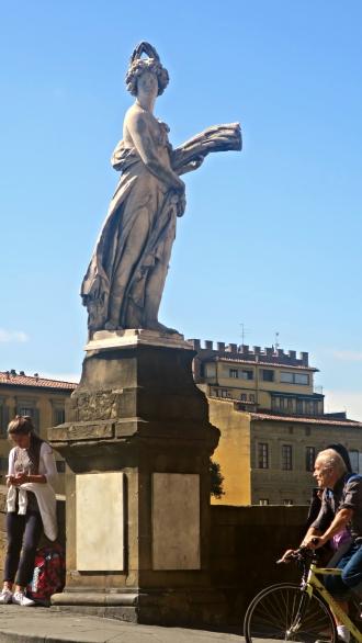 statueta4